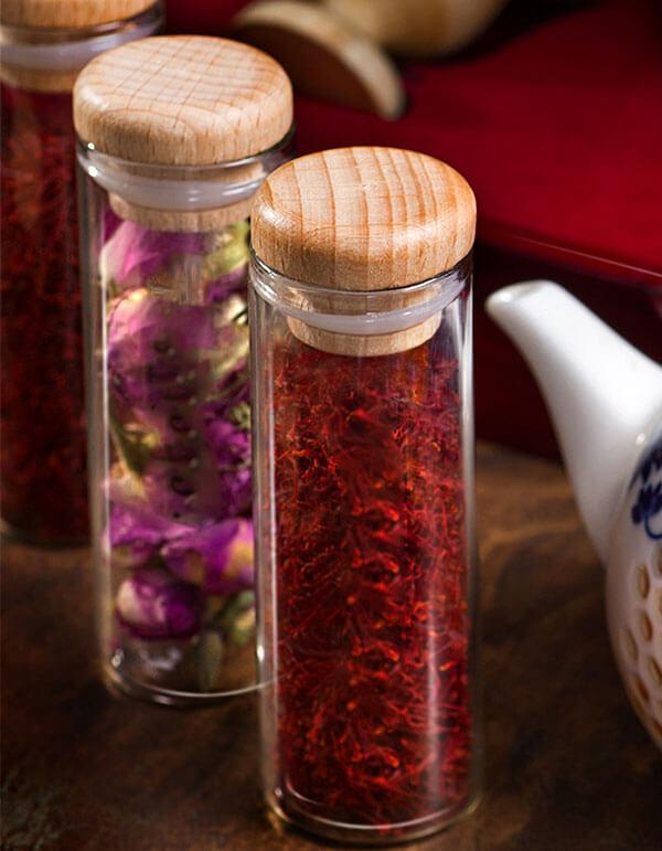 ظروف شیشه زعفران با در چوبی